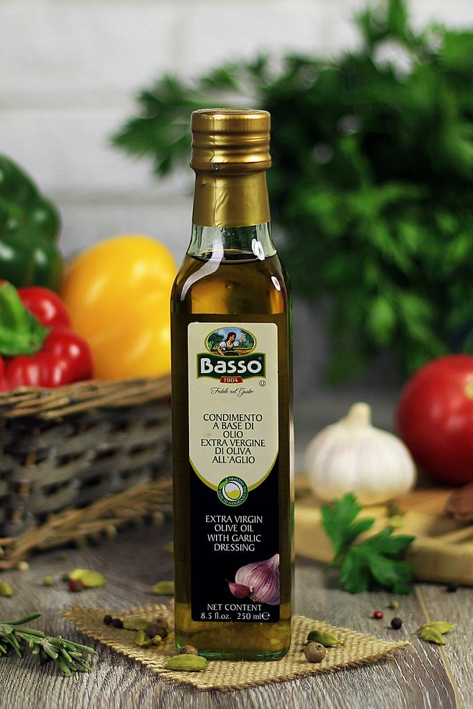 Оливковое масло с чесноком Basso 250мл фото